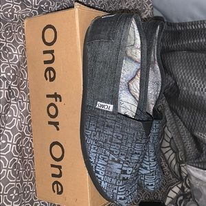 TOMS Charcoal Carpe Diem (LIMITED EDITION)